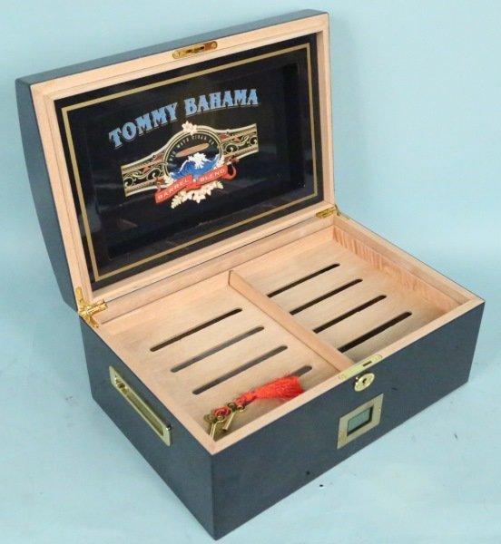 TOMMY BAHAMA HUMIDOR. With cigars. - 3