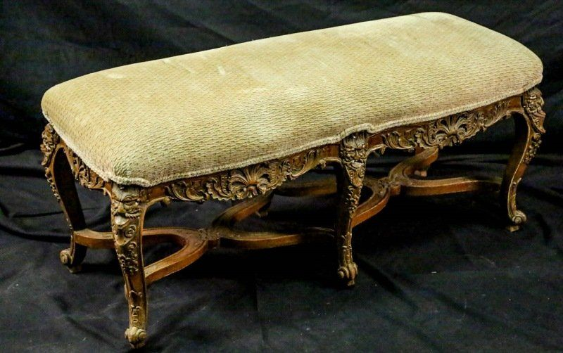 19th CENTURY FRENCH CARVED LOUIS XV STYLE BENCH