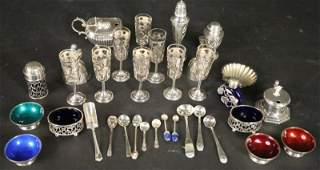 MIXED LOT OF 33 STERLING SILVER PIECES