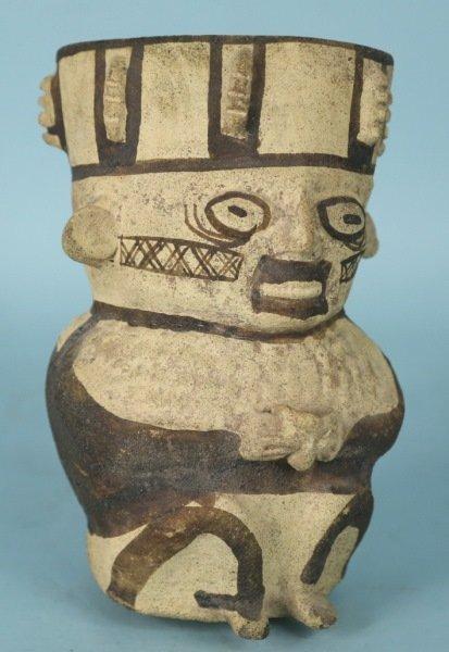 PRE-COLUMBIAN PERUVIAN TERRACOTTA JAR, CA. 500 AD