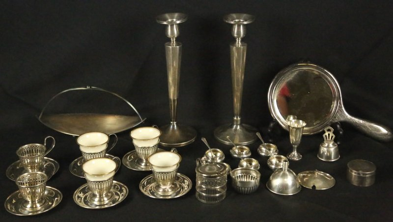 MIXED LOT OF 32 STERLING SILVER PIECES