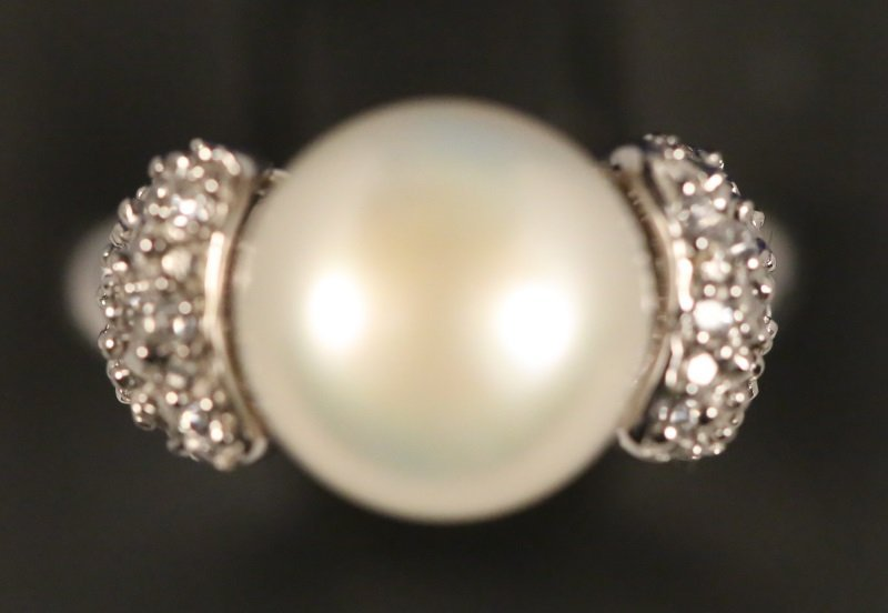 LADIES 10MM PEARL WHITE TOPAZ STERLING SILVER RING