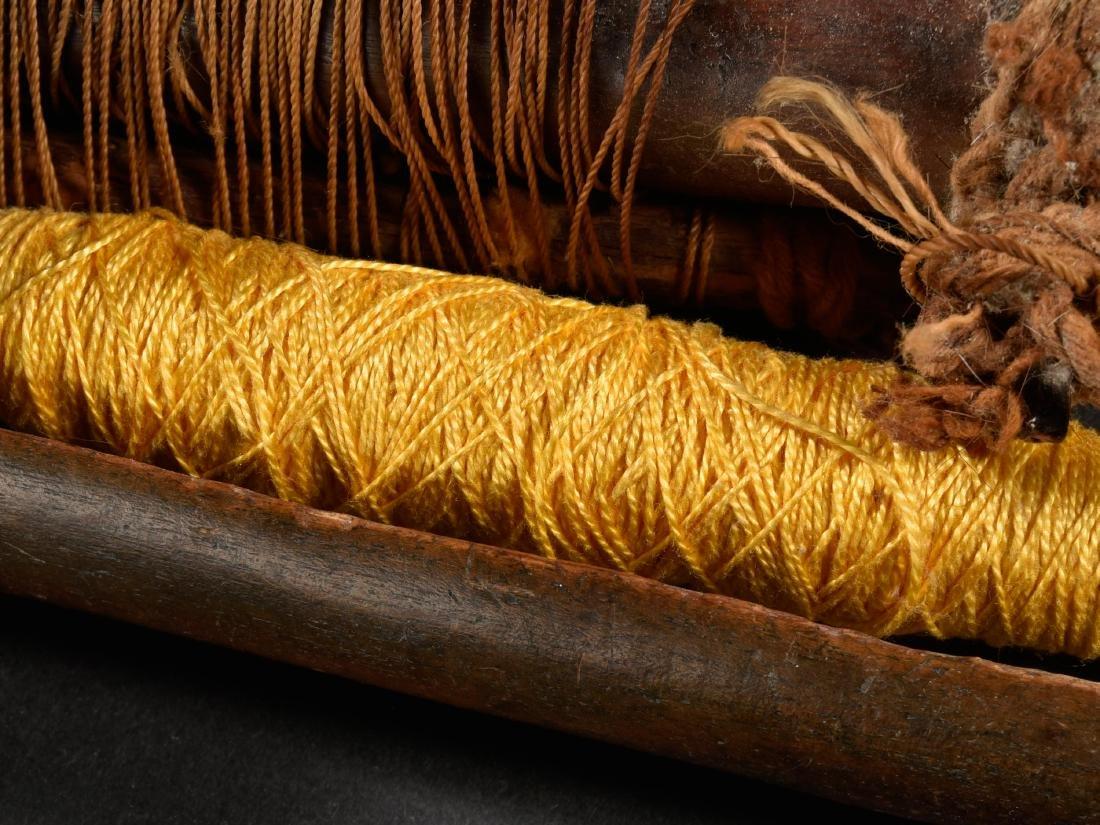3 Webkämme und 2 Schiffe / Ethnographic Tribal Art - 3