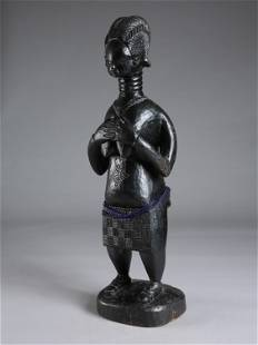 "A Mende Figure, ""minsereh"" / ""kambei"""