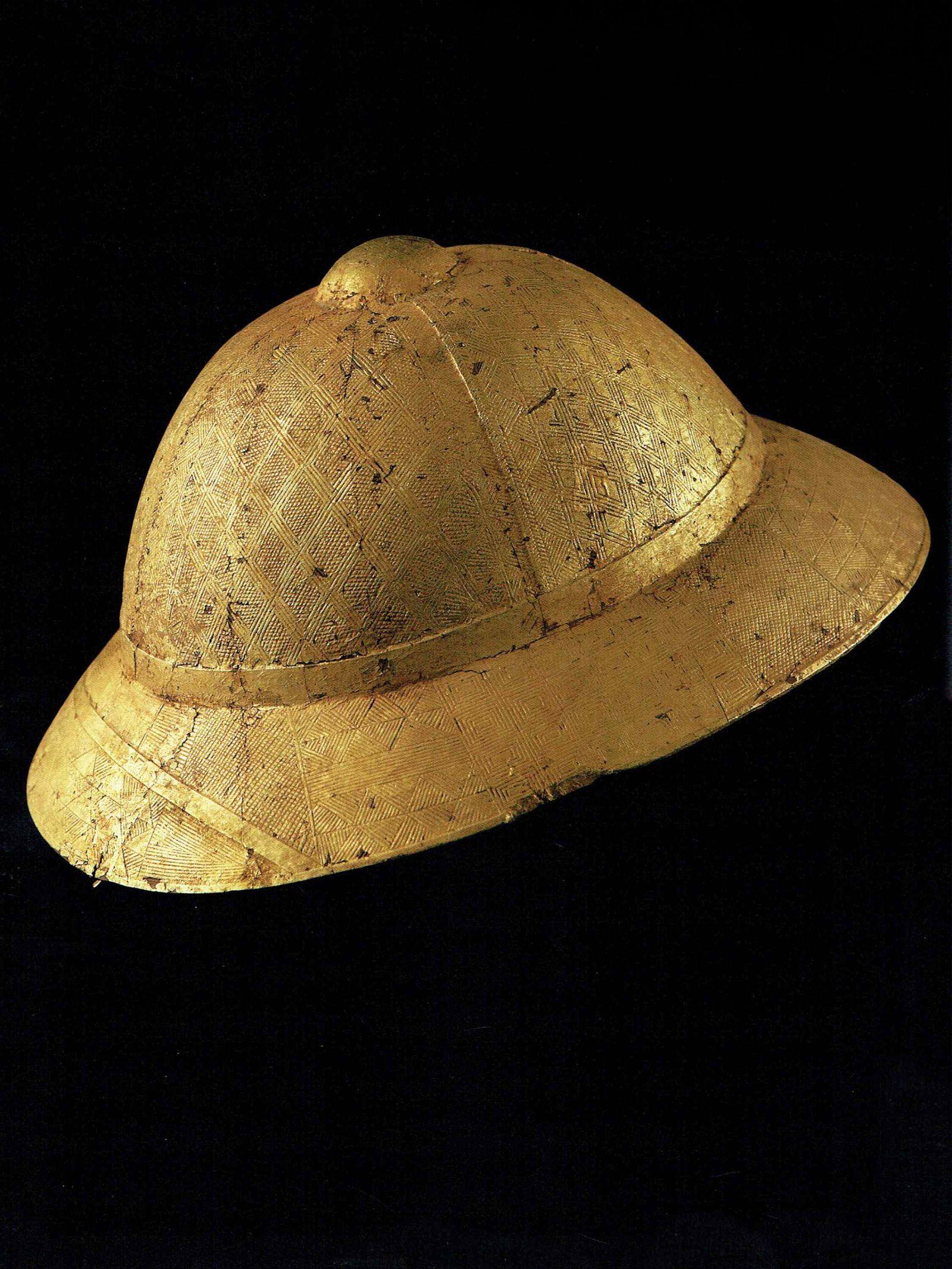 A Baule Prestige Pith Helmet