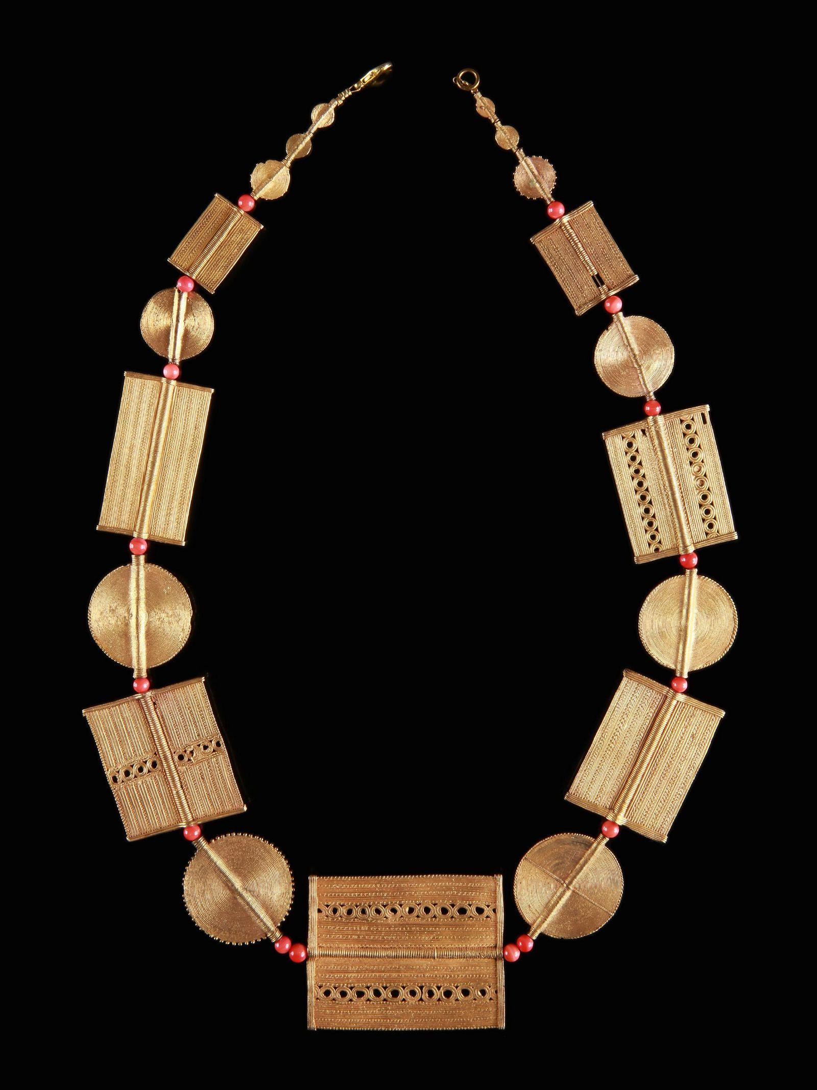 """A Baule Royal Necklace, """"komignammon"""""""