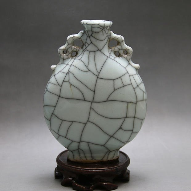 Qing Dynasty Chinese Porcelain Vase
