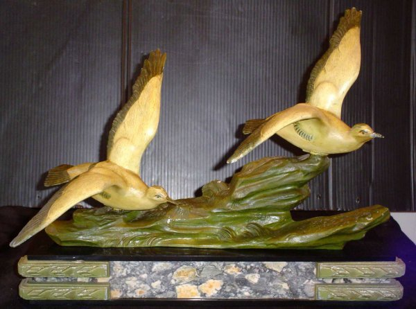 61: ART DECO TWO BIRDS ON MARBLE BASE 11998