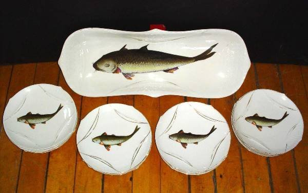 22: 13 PC CHINA FISH PLATTER AND PLATES SET 881