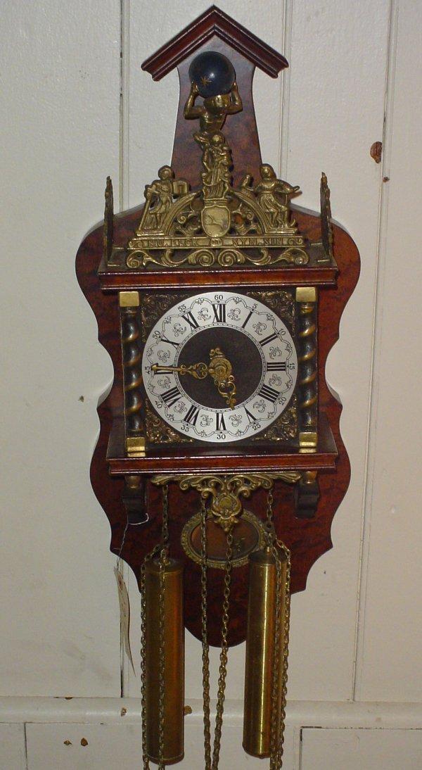 11: LARGE ATLAS WALL CLOCK 13226M