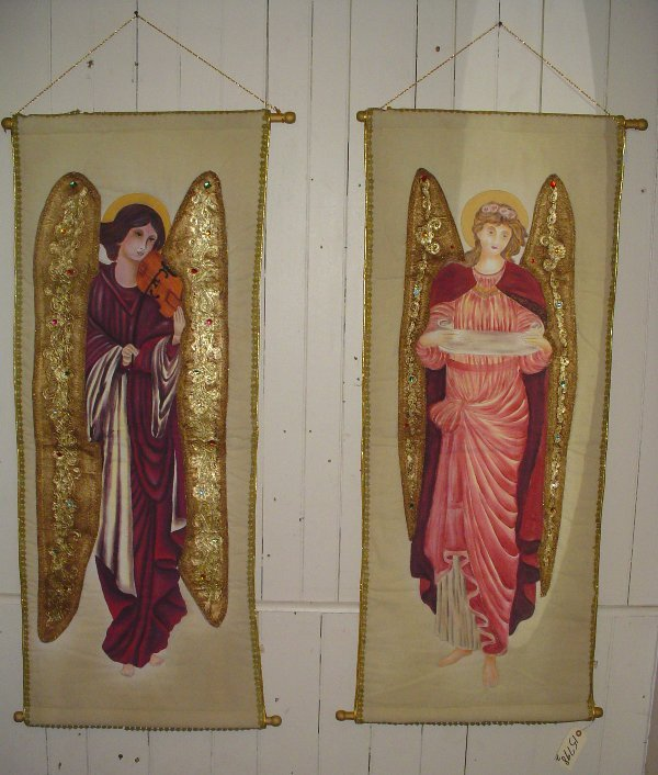 178: 2 WALL HANGING EMBROIDERIES OF ANGELS 15798