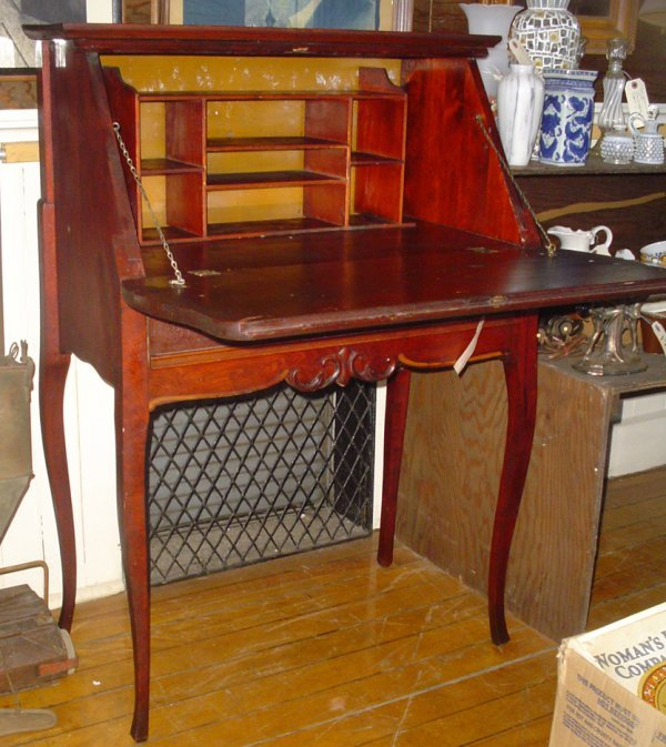 8: ANTIQUE MHOGANY SLANT DROP DESK 1809