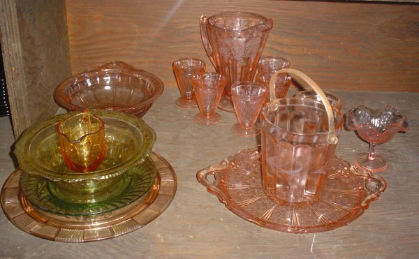 150: 15PC'S OF DEPRESSION GLASS 1684