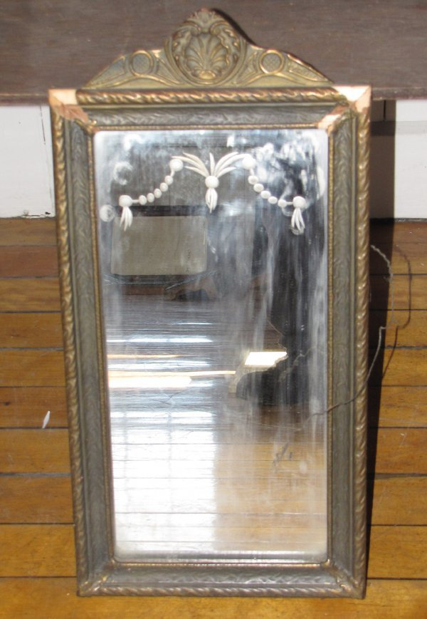 19: MIRROR W/DECORATIVE ETCHING ON TOP 3368A