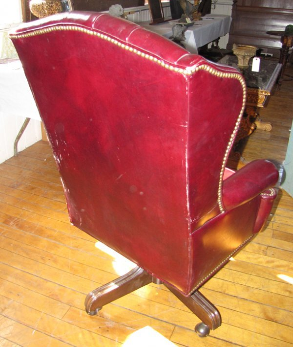 76: TUFTED RED LEATHER OFFICE CHAIR 1591 - 3