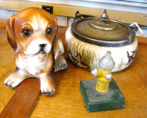 2: 3 PC MISC. LOT; NAMCO DOG, FIRE HYDRANT, PORC. 3753