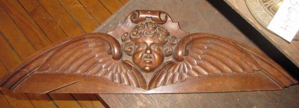 232: CARVED WALNUT CREST OF WINGED CUPID HEAD 3616A