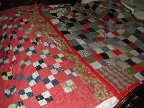 2 VINTAGE ANTIQUE QUILTS (4194)