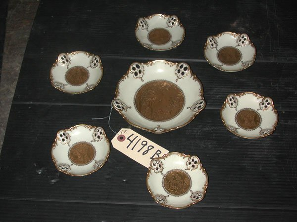 11: 7PC PORCELAIN SET IN IVORY&ETCHED GOLD CTR (4198B)