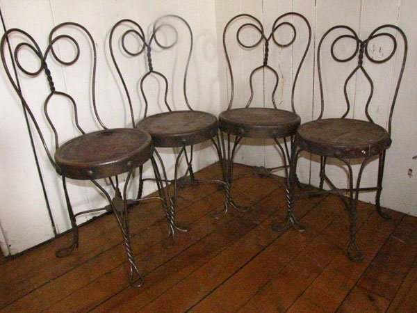 221: 4 TWISTED IRON CHILD ICE CREAM PARLOR CHAIRS 4012b