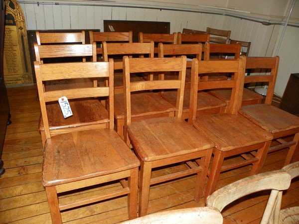 10: SET OF 12 OAK CHILDRENS CHAIRS 1525