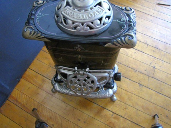242: SMALL ROYAL GAS POT BELLY STOVE (991609) - 4