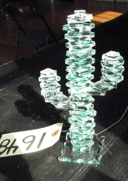 8: CLEAR ART GLASS CACTUS MADE USING OVER 50 PCS 1648