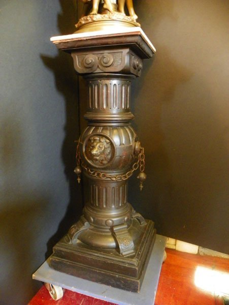 146: AMERICAN VICTORIAN OVERSIZED MARBLE TOP PED 1513