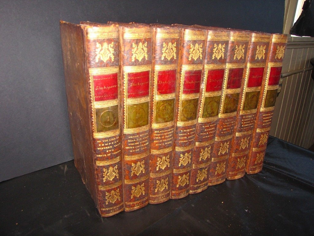 41: SET 8 LEATHER BOUND SHAKESPEAR BOOKS.1788-1791 80T