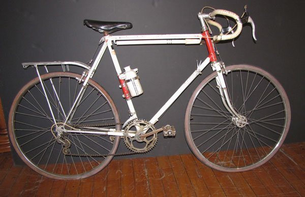 ANTIQUE 10 SPEED BICYCLE BY LIBERTAS WITH PUMP 1532