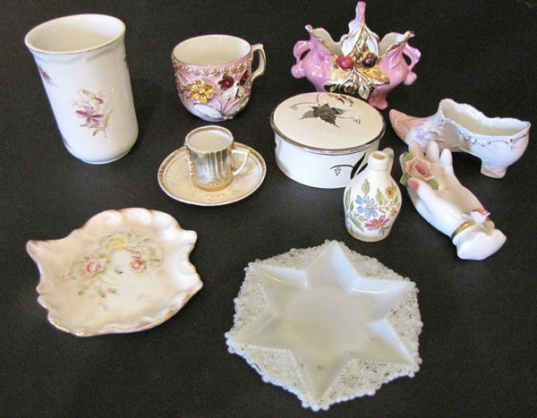 MISC LOT OF 10 PORCELAIN PCS AND 1 GLASS PIECE 5528