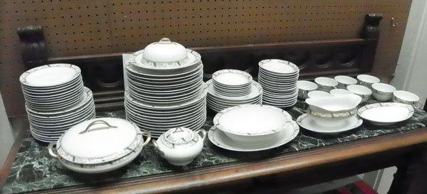 94 PC LIMOGES FRANCE DINNERWARE SET W/FLORAL MOTIF 1522