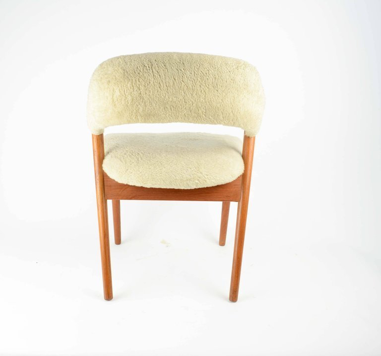 Elegant Danish Dressing Chair and Ottoman in Oak and - 4