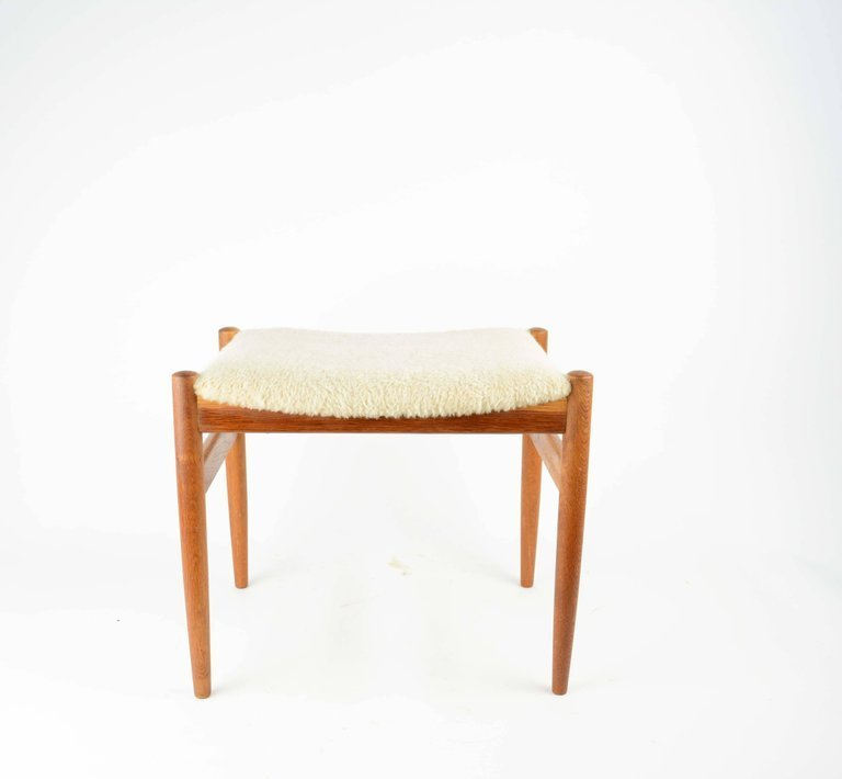 Elegant Danish Dressing Chair and Ottoman in Oak and - 6