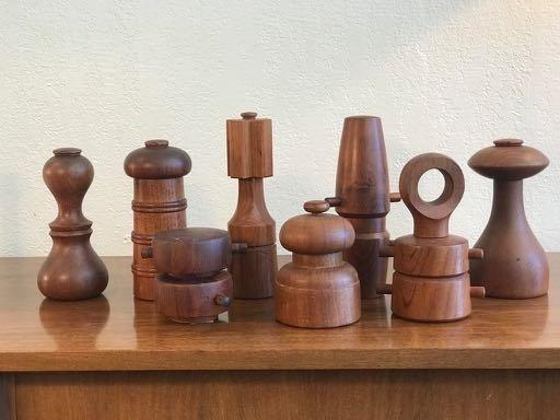 Set of 8 Jens Quistgaard Pepper Mills for Dansk