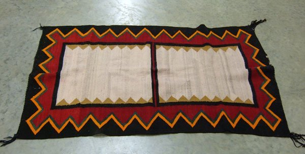 174: Native American Indian rug. 2 rectangular medallio