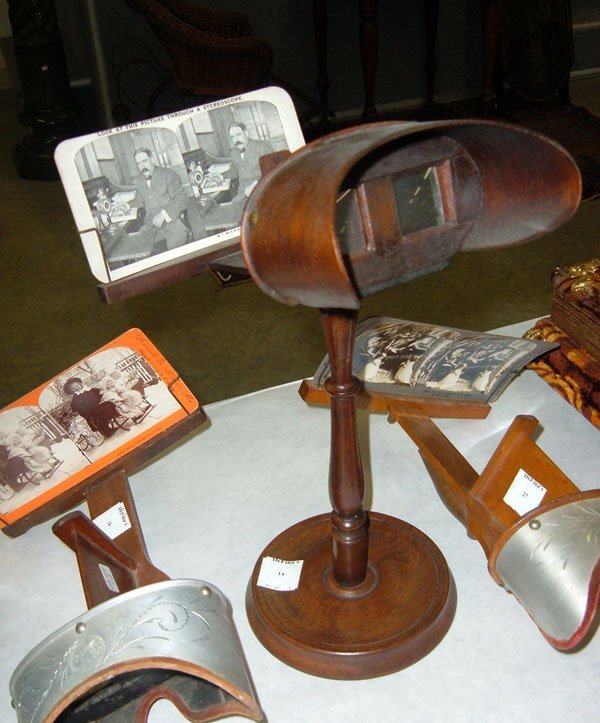 14: Stereoscope Turned Wooden Stand/ 1 card