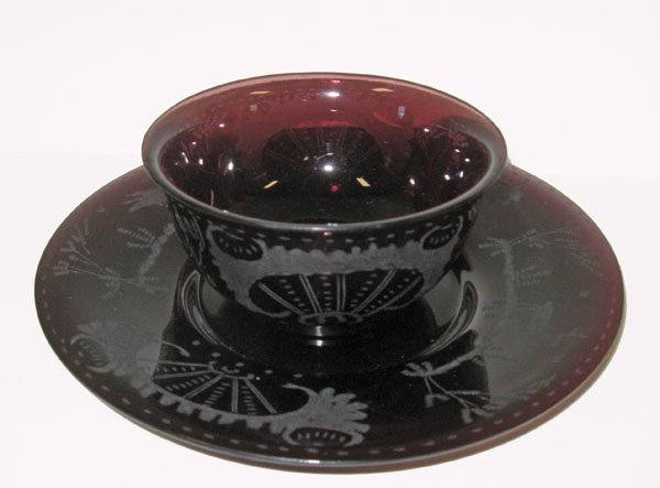 20: Oriental etched bowl. Amethyst bowl and underplate