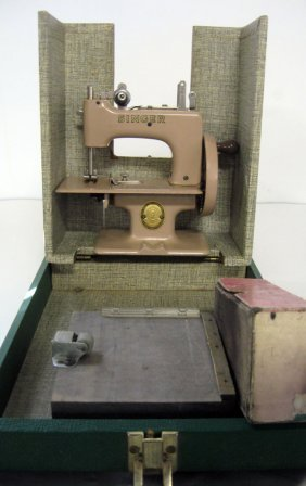 Singer ''Sew Handy'' Sewing Machine In Original Case. A