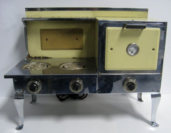 Child size stove ''Little Lady Ranges''. Original burne