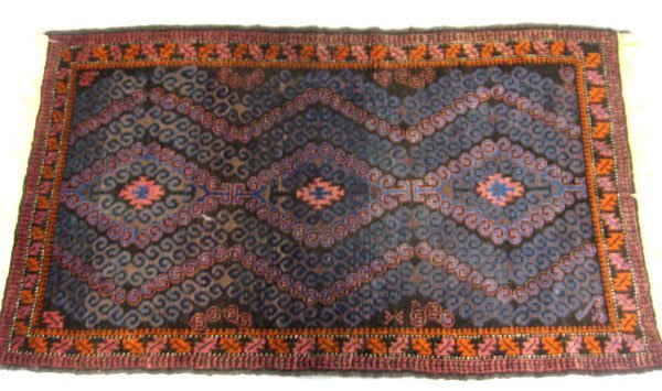 Oriental Baluchistan rug. Good condition with 2 inches