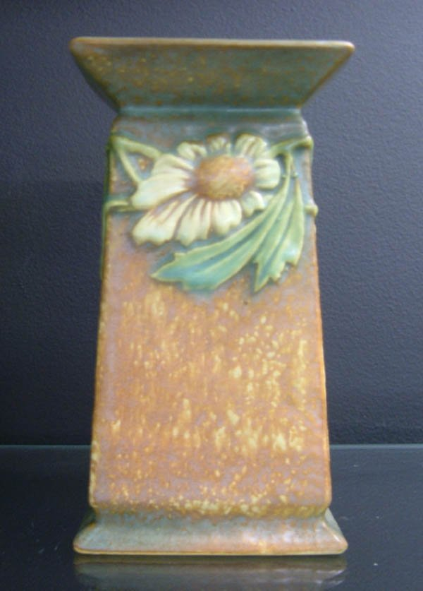 701: Roseville Dahlrose vase