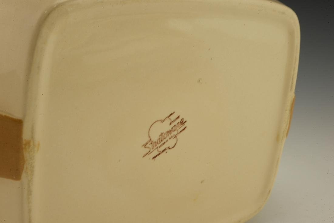 Eva Zeisel, a Stratoware Casserole or Vegetable Dish - 4
