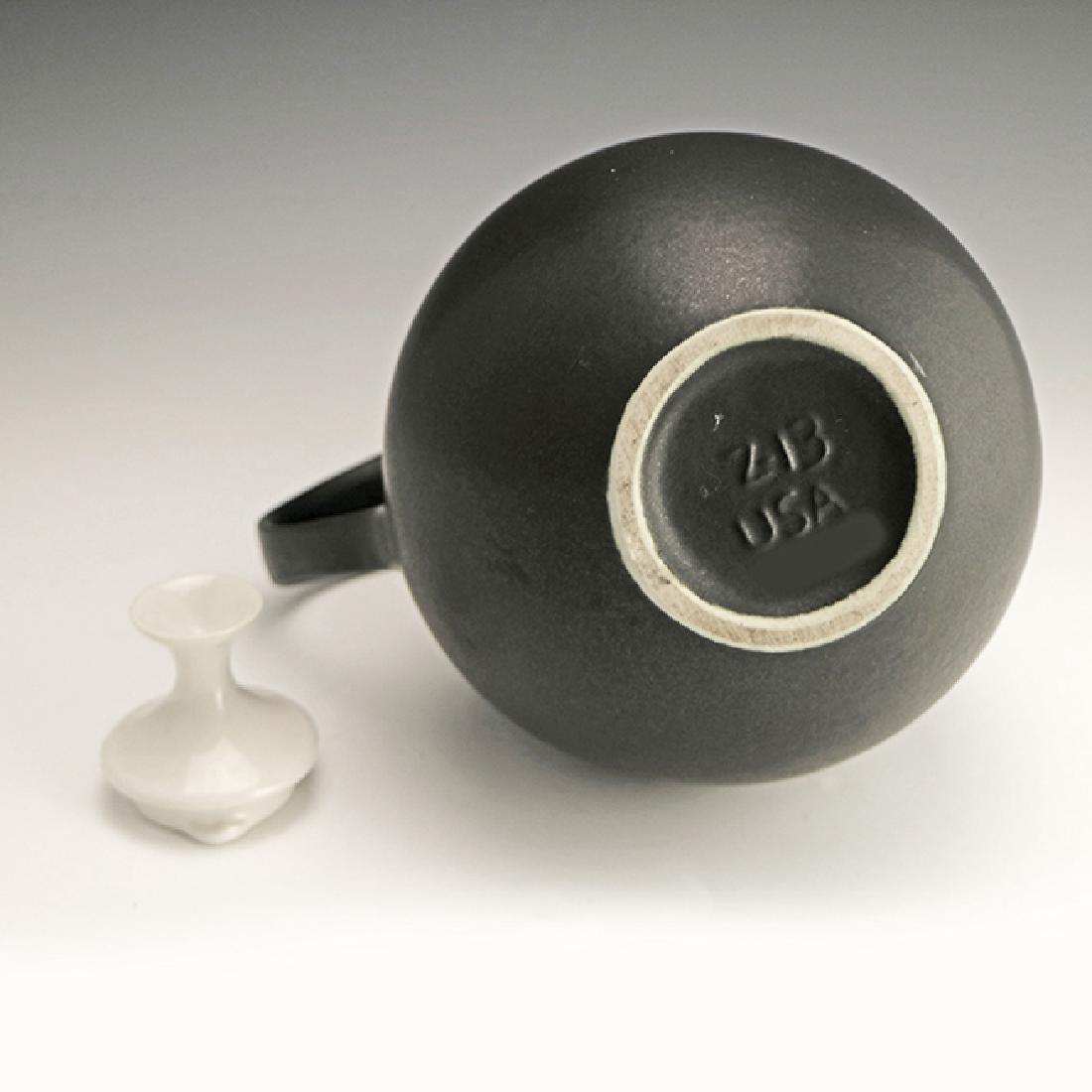 Very Rare Zeisel Hyalyn B&W Coffee Pot - 3