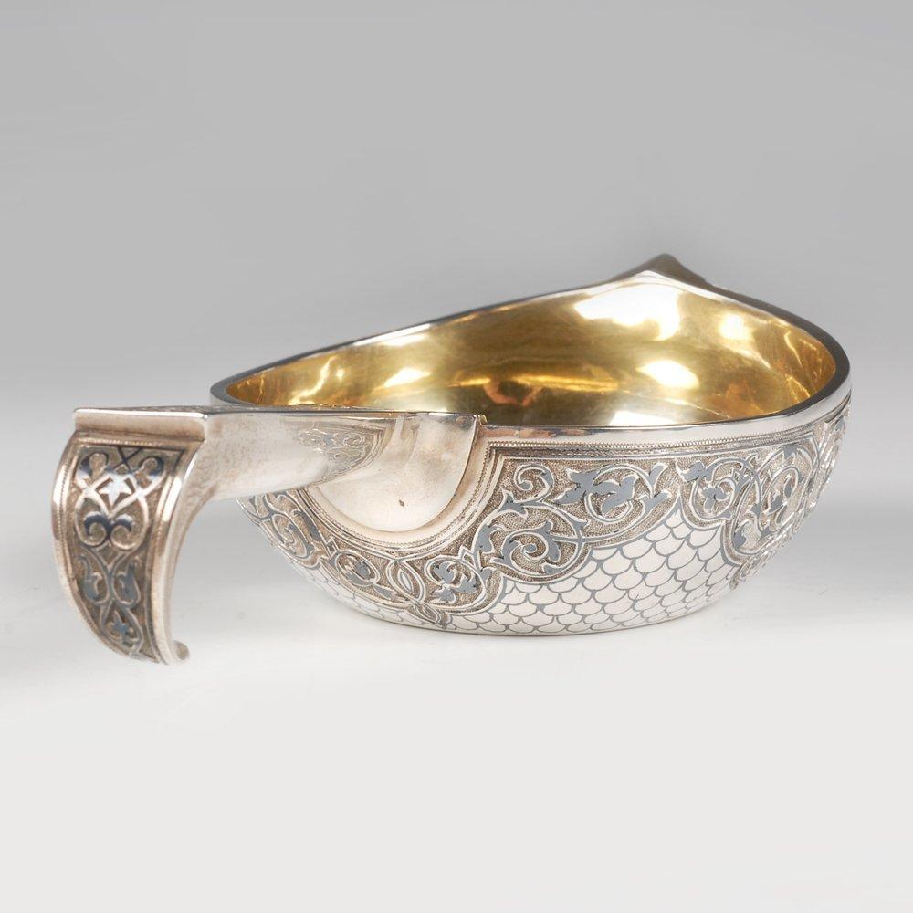 A Russian silver niello Semenova kovsh, 1896 - 3
