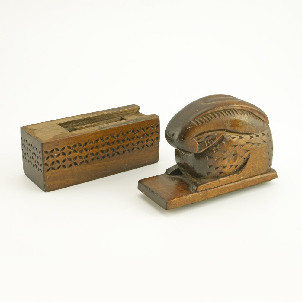 An Antique Pair of Russian Carved Wood Bookends, ca1900 - 6