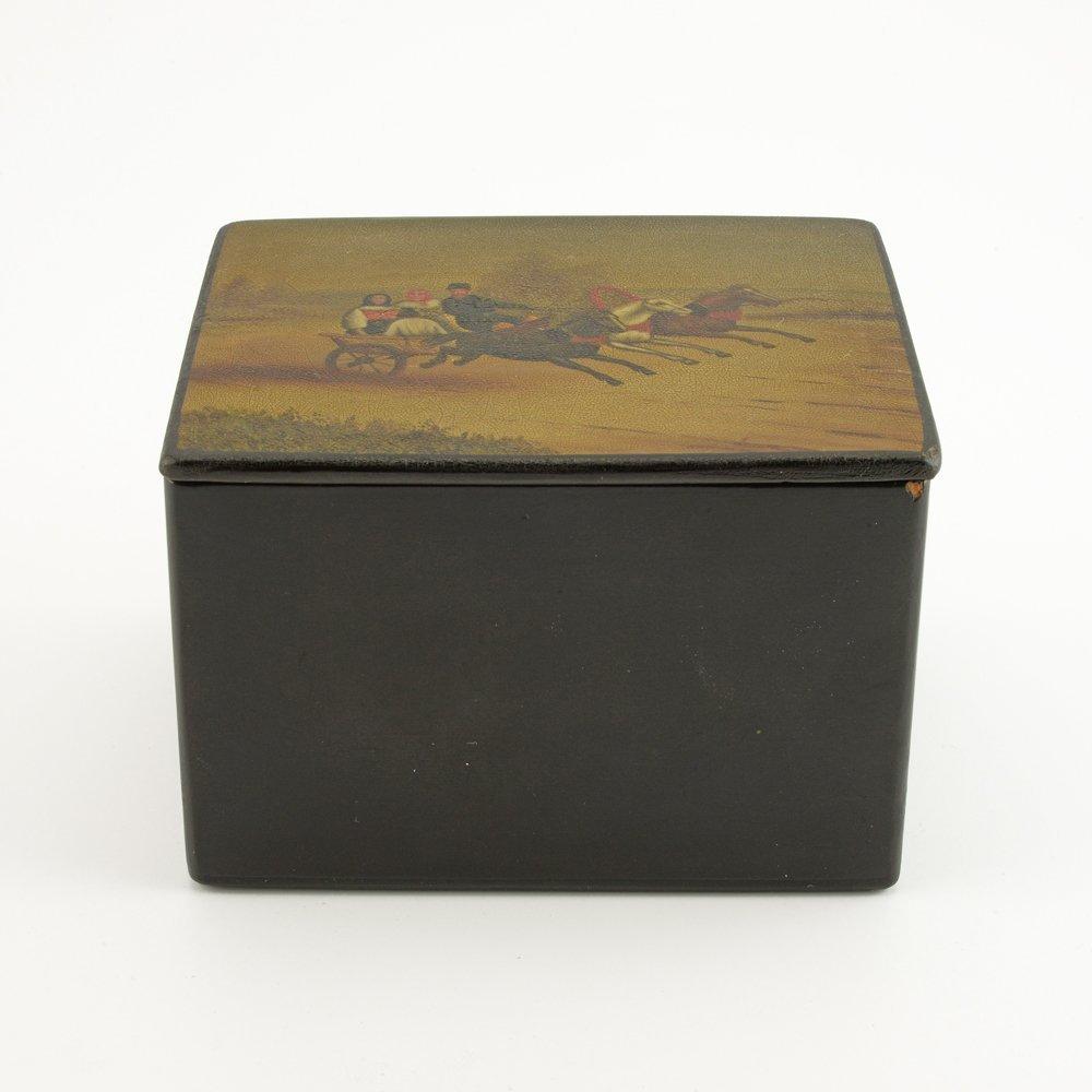 A Russian lacquer trinket box, Fedoskino Artel - 2