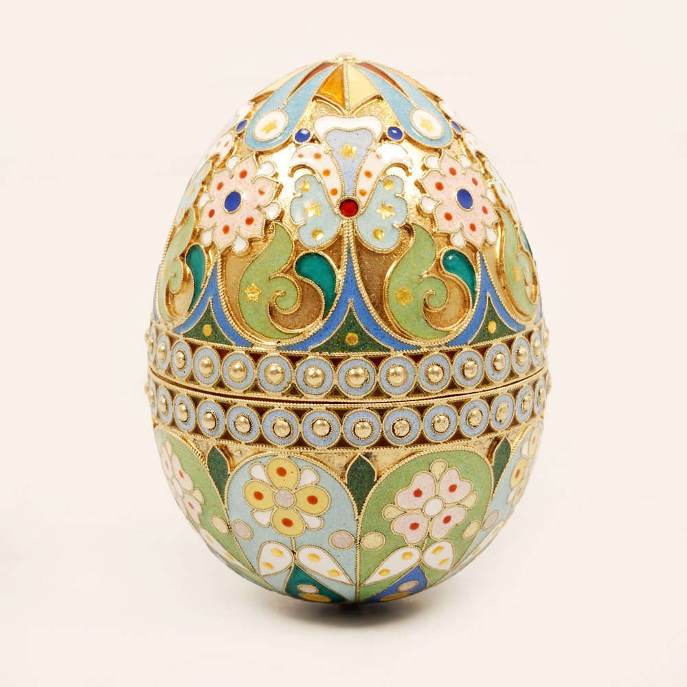 An Ovchinnikov shaded enamel Easter egg, c1899-1908