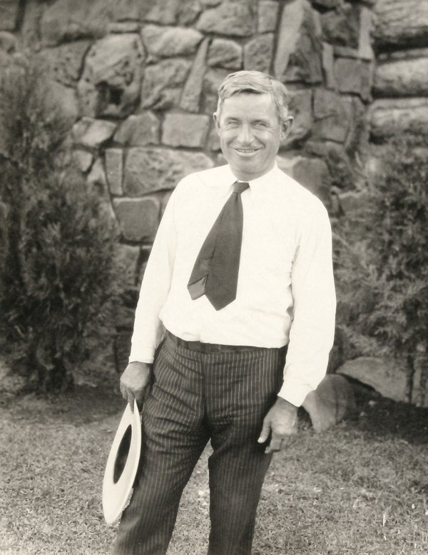 2: WILL ROGERS at WOOLAROCK LODGE - PHOTOGRAPH