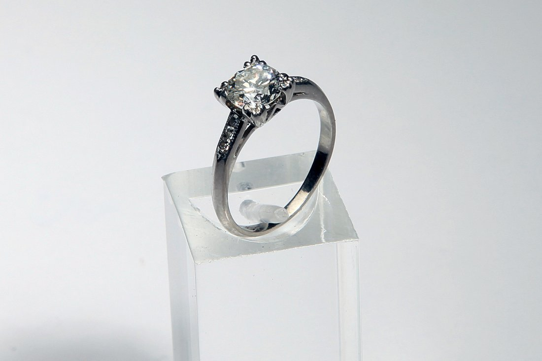 1 Ct Round Brilliant Cut Diamond 14K White Gold Ring